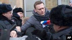 Alexei Navalny lors de sa brève interpellation par la police, Moscou, Russie, le 28 janvier 2018.