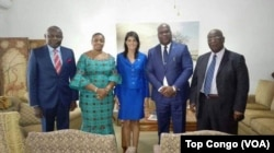 Nikki Haly entourée des membres de l'opposition, de gauche à droite : Vital Kamrehe, Eve Bazaiba, Felix Tshisekedi et Pierre Lumbi, Kinshasa, le 27 octobre 2017