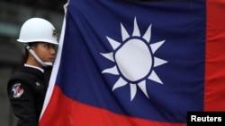 台灣中華民國青天白日滿地紅國旗資料照。