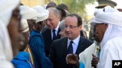 French President Francois Hollande visits Timbuktu, Mali, February 2, 2013.