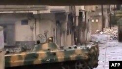 Бронетехника на улицах Хомса. 26 декабря 2011г.
