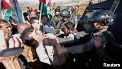 Umushikiranganji muri Reta y'abanya Palestina, Ziad Abu Ein ariko ahangana na'umupolisi w'igihugu ca Israel