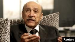 El ex jefe del servicio de espionaje de Egipto, Omar Suleiman, durante una entrevista en su oficina de El Cairo el 14 de abril de 2012.