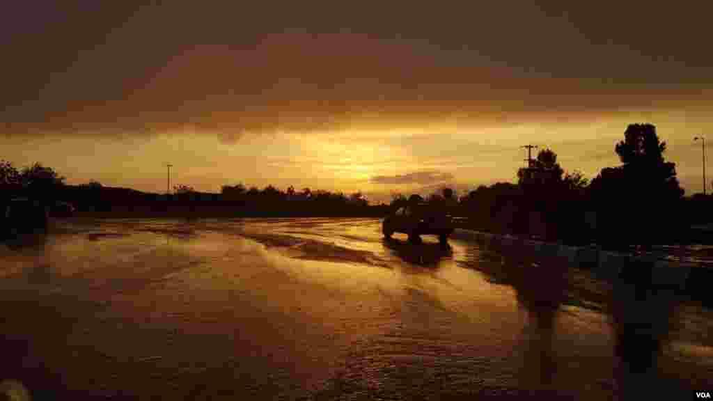 گناباد در باران عکس: سپهرار (ارسالی شما)