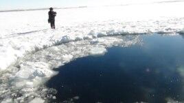 Rusët në kërkim të fragmenteve të meteorit