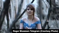 عکس «نگار معظم» که از موزیک ویدئو «خواب عشق» گرفته شده است.
