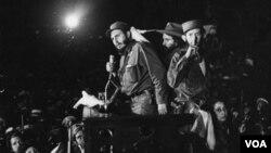 Fidel Castro ofreció su primer discurso en La Habana, luego de vencer las fuertas militares del dictador Fulgencio Batista, el 1 de enero de 1959.