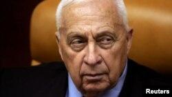 Ariel Sharon durante una reunión en su oficina en Jerusalén en octubre de 2005.