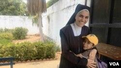 Wendy Khalil, monja de 38 años, del colegio Carmelo Valera.