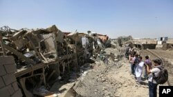 Le site d'un attentat au camion piégé, Kaboul, Afghanistan, le 1er août 2016.