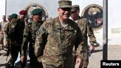 美国和北约驻阿富汗部队指挥官约翰·坎贝尔