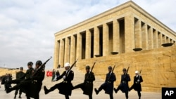 FILE - Soldiers march in front of the mausoleum of Mustafa Kemal Ataturk, the founder of modern Turkey, in Ankara, Nov. 27, 2014. Recent reports say Islamic State is targeting the site for a terror attack.