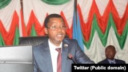 Emmanuel Sinzohagera atwara inama nkenguzamateka nshasha