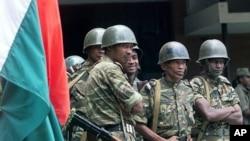 Des militaires malgaches (AP/22 juillet 2012)