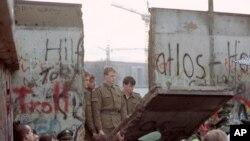 В Восточном Берлине 11 ноября 1989 г.