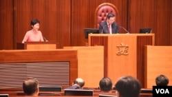 香港特首林郑月娥出席立法会答问大会。