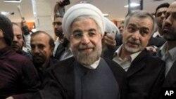 حسن روحانی، کاندیدای میانه رو و نزدیک به اصلاح طلبان ایران