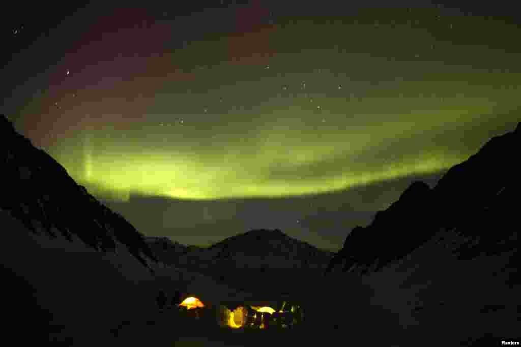 مشرقی اینکریج میں روشنیوں کا ایک منظر