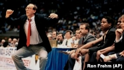 Syracuse coach Jim Boeheim uses some interesting body language during a big tournament in 1987.