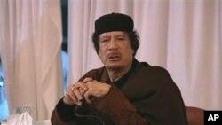 卡扎菲部隊反攻反政府武裝。