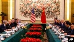 美国商务部长罗斯率领美国代表团2018年6月3日在北京钓鱼台国宾馆与中国副总理刘鹤率领的中国代表团进行贸易谈判。