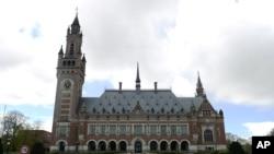 Палац миру в Гаазі - офіційна резиденція Міжнародного суду ООН і Постійної палати третейського суду