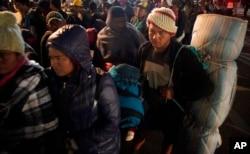 El presidente Donald Trump hizo referencia a los migrantes que acampan en la ciudad fronteriza mexicana de Tijuana, después de viajar en caravana desde Centroamérica para llegar a Estados Unidos.