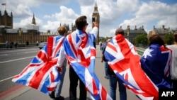 Theo kết quả cuộc trưng cầu dân ý, tỷ lệ người đi bầu là 72%, với phe ủng hộ việc rời EU giành được số phiếu là 52% so với 48% của phe hậu thuẫn ở lại.
