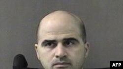 Thiếu tá Nidal Hasan đối mặt với 13 tội danh cố sát và 32 tội danh mưu sát có tính toán