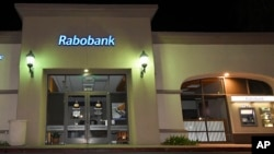 A Rabobank bank location in Thousand Oaks, Calif., Feb. 6, 2018. Dutch lender Rabobank's California subsidiary is to enter a plea a long-running investigation that led to allegations the bank was used to launder millions of dollars in Mexican drug money.