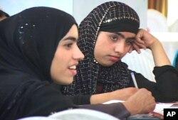 حامد کرزی: 'با وجود خشونت طالبان افغانستان رو به پیشرفت است'