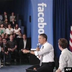 """AQSh rahbari Barak Obama omma bilan aloqa qilishda """"Facebook"""" dan foydalanadi"""