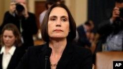 Mantan pejabat Dewan Keamanan Nasional Gedung Putih, Fiona Hill, memberikan kesaksian hari Kamis (21/11).