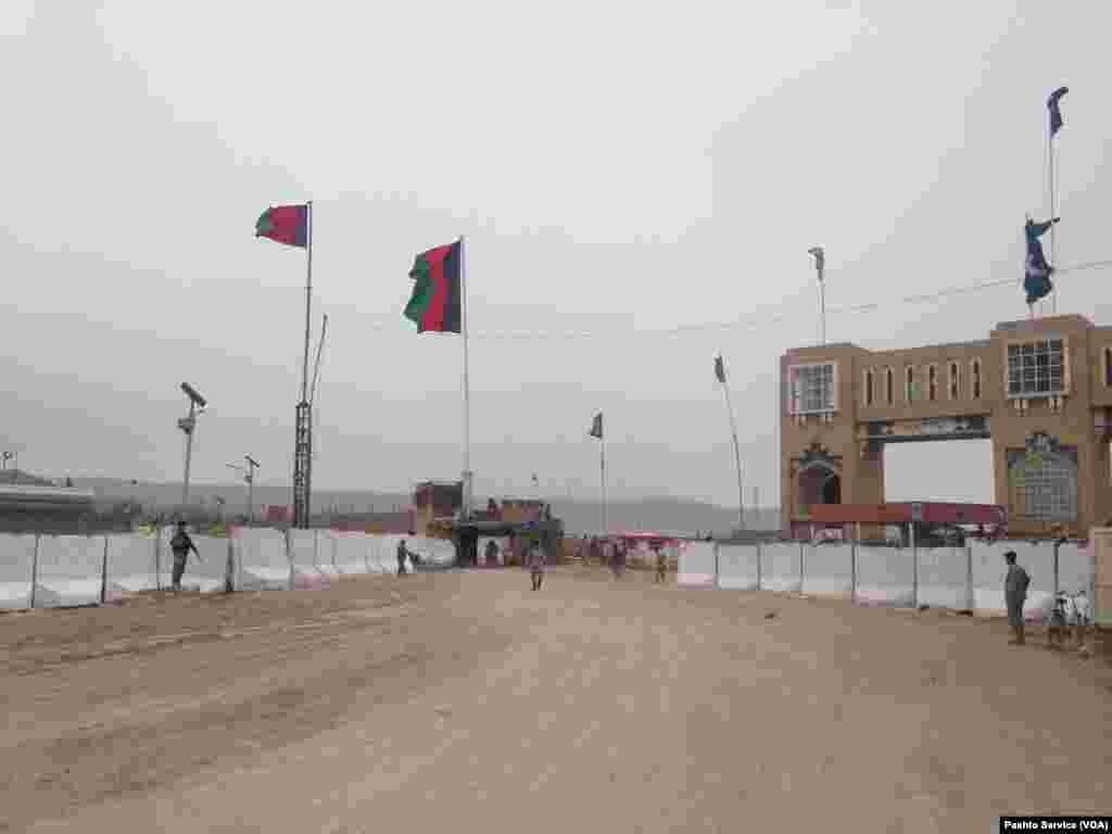 پاکستان اور افغانستان کے درمیان اسپن بولدک کے مقام پر سرحدی راستہ