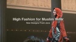 Peragaan Busana Muslim 'Islamic Intersections' di Washington DC