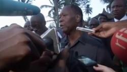 Le président Alassane Ouattara visite les lieux de l'attaque qui a visé la station Grand Bassam