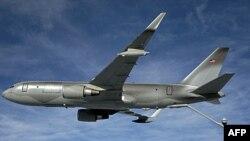 Máy bay tiếp tế nhiên liệu của Boeing được trang bị với thiết bị công nghệ tiếp tế nhiên liệu trên không hiện đại nhất