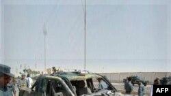 Hiện trường sau vụ tấn công bằng xe cài bom trong tỉnh Lashkar Gah