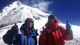 Everesti dhe sfidat e alpinistëve