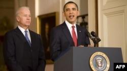 奥巴马总统和拜登副总统周日在白宫