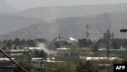 Napadi Talibana su se dogodili pored sedišta NATO-a u Kabulu i u delu grada u kojem su ambasade Sjedinjenih Država, Nemačke i Britanije, 15. april, 2012.