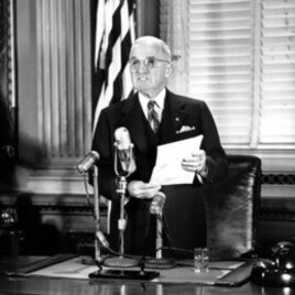President Harry Truman discusses the conflict in Korea at the White House