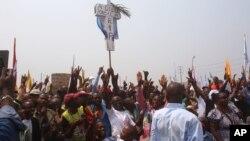 Des militants de l'opposant congolais Etienne Tshisekedi, lors d'un rassemblement politique à Kinshasa, RDC, le 31 juillet 2016.