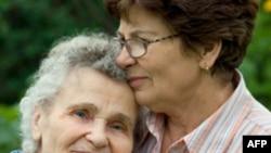 'Alzheimer'ın Yükünü Kadınlar Taşıyor'