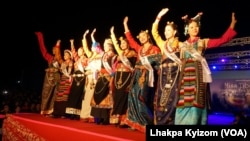 Contestants compete in the 2017 Miss Tibet beauty pageant at the Tibetan Institute of Performing Arts in Dharmsala, India, June 4, 2017.