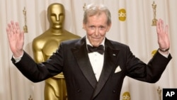 FILE - Peter O'Toole is seen at the 2003 Academy Awards in Los Angeles.