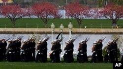 Askarlarda malaka, mustahkam iroda va o'zaro e'tibor-hurmatni tarbiyalash – asosiy maqsadlardan.
