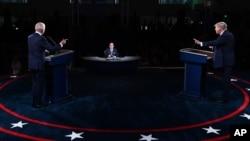 Predsjednik Tramp i demokratski kandidat Joe Biden u prvoj predsjedničkoj debati na Univerzitetu Case Western u Klivlendu (Foto: AP)