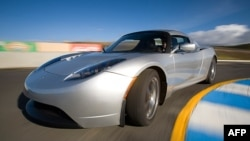 Xe thể thao chạy điện Tesla Roadster