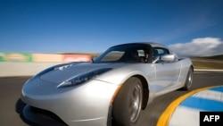 Электромобиль «Тесла»